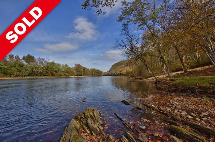 James River Log Home and Retreat